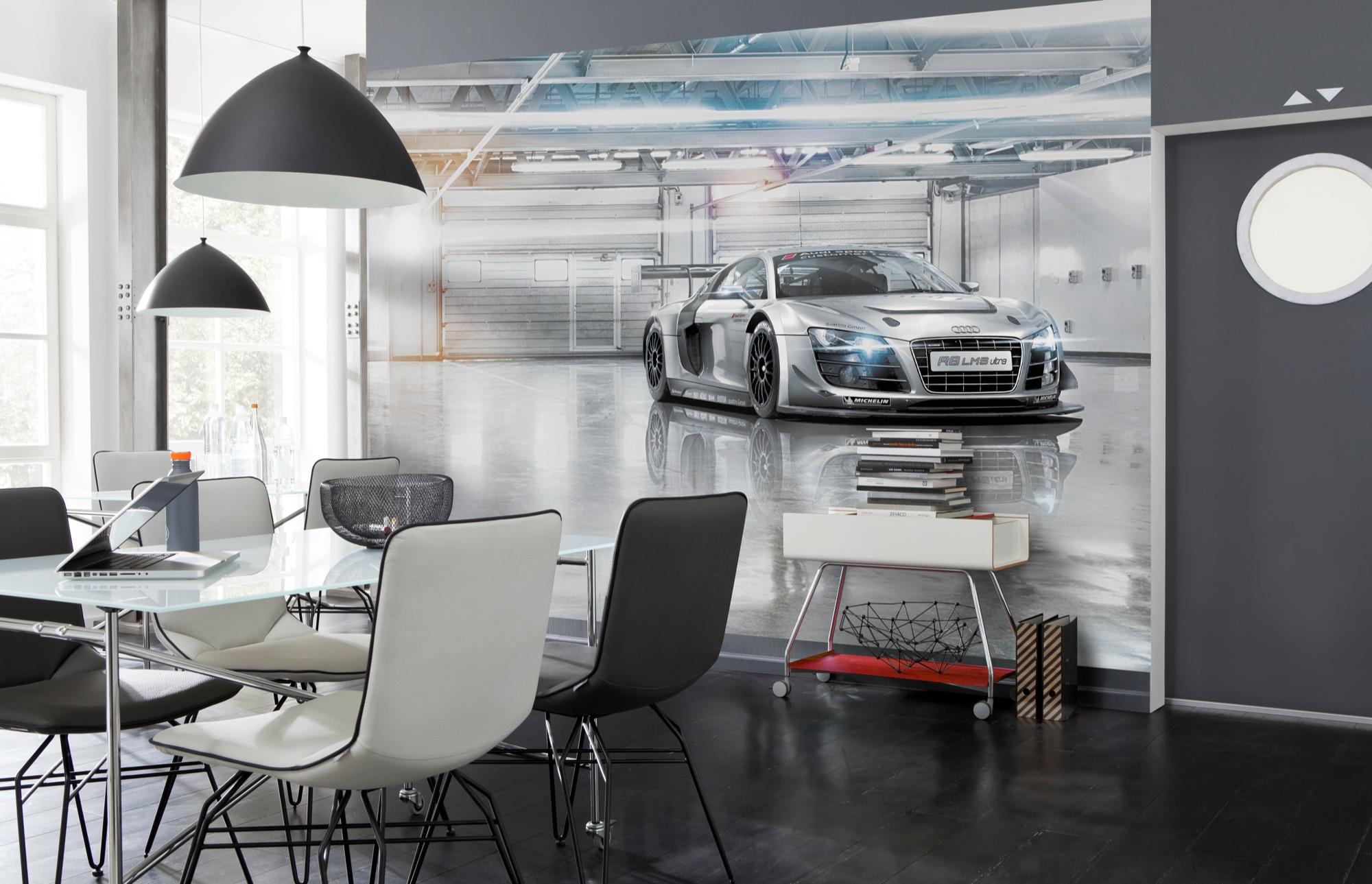 8-957_Audi_R8_LeMans_Interieur_i.jpg