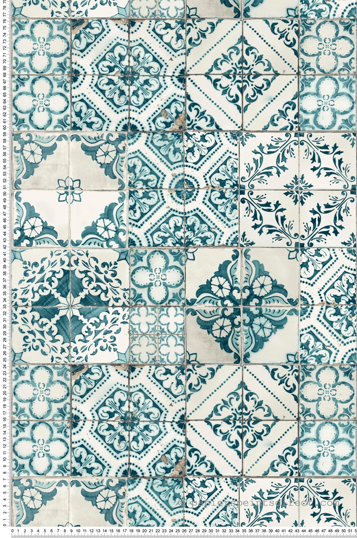Papier peint Carreaux de ciment Azulejos bleu canard - Outdoors In d'Initiales | Réf. INI-ON1633